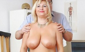 Mom with Natural Big Titted at Gyno Clinic Exam