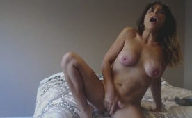 Crazy Squirting Milking Milf