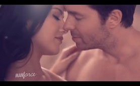 Sunny Leone Seduces Her Boss and She is Really Good in That